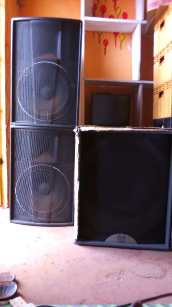 Speakers for sale.call spencer at: 0755968187